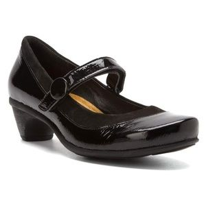 TRENDY HEEL by NAOT Black Patent Leather Mary Jane